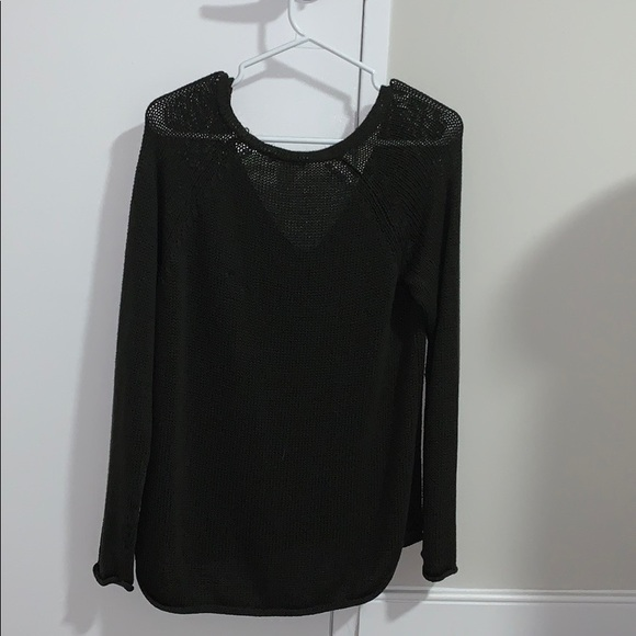 H&M Sweaters - H&M knit long sleeve!!